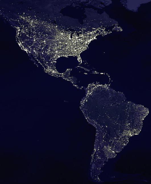 Вид Северной и Южной  Америки ночью из космоса.