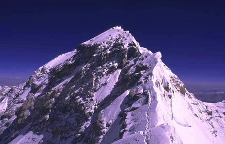 истории о горе Эверест.